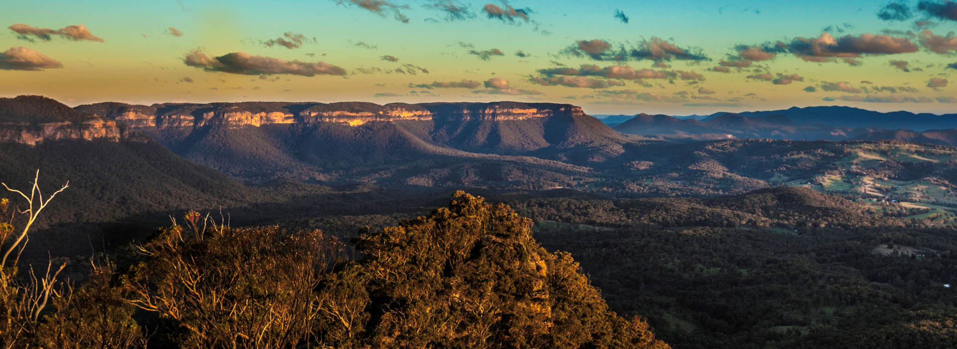 Home to the Famous Three Sister, Scenic World, Leura Cascades and Wentworth Falls.